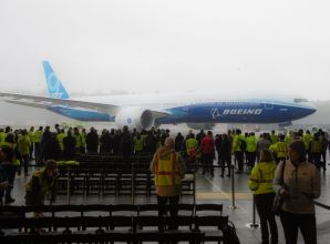 """بوينغ تخصص 6.5 مليار دولار لتغطية خسائر تأخير تسليم طائرة """"777 اكس"""""""