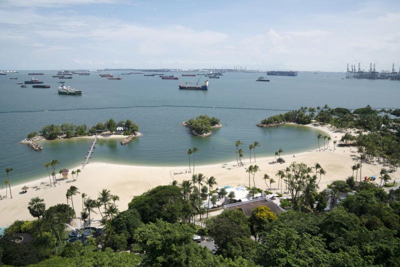 شاطئ Siloso بجزيرة سنتوسا في سنغافورة، 6 يوليو 2020.