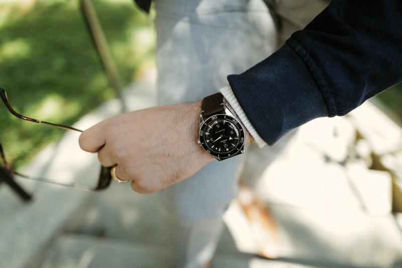 """ساعة """"أوميغا سيماستر 300"""""""