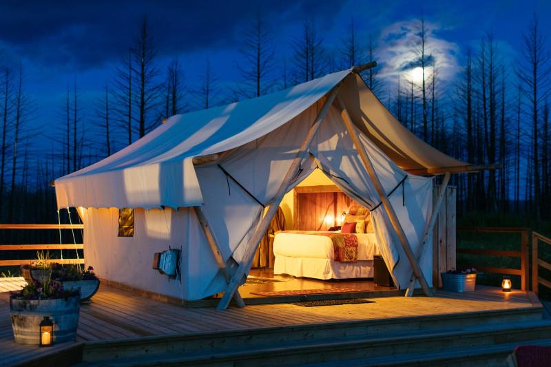 خيمة فخمة في منتجع بحيرة سيواش للحياة البرية