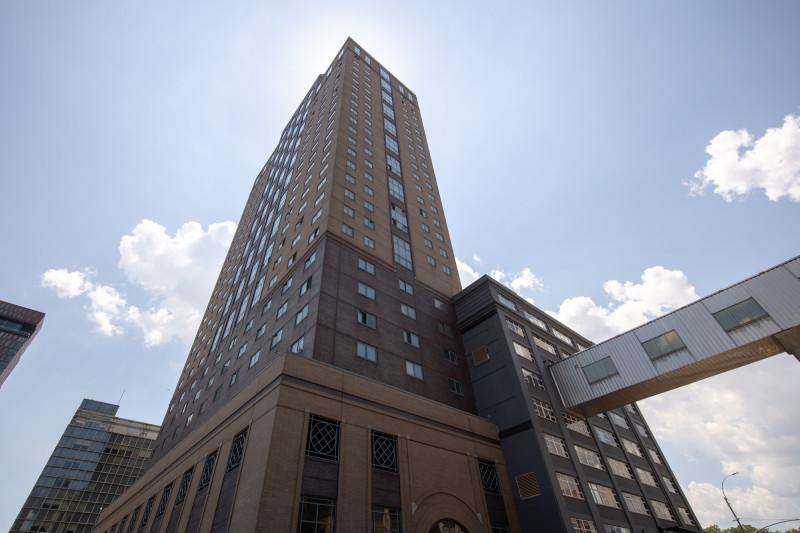 "فندق ""شهود يهوه"" في بروكلين نيويورك"