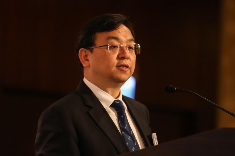 الملياردير وانغ تشوان-فو