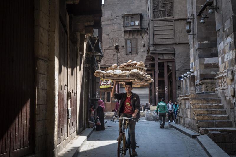 يعتمد ملايين الأشخاص على الخبز المدعوم في مصر