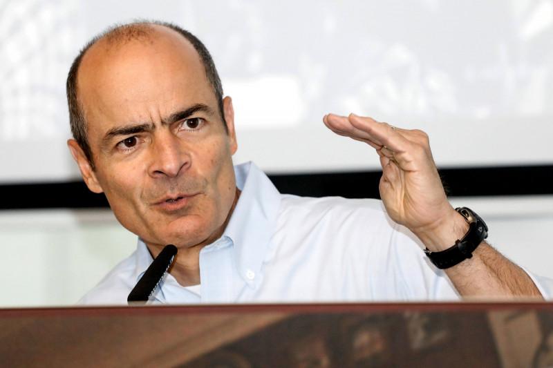 """كارلوس بريتو الرئيس التنفيذي لشركة """"بدوايزر"""""""