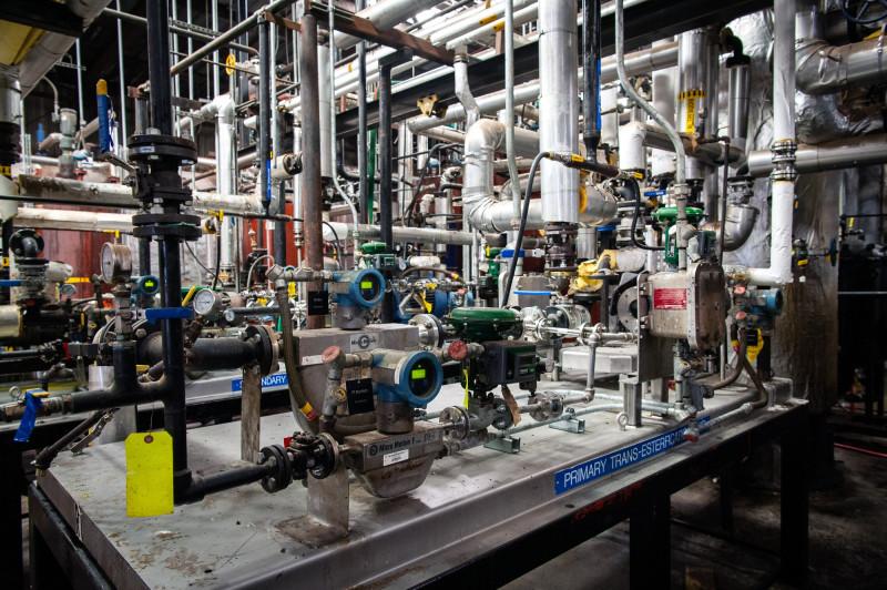إنتاج وقود الديزل الحيوي في منشأة لمعالجة حبوب الصويا في غرينوود، ميسيسيبي بالولايات المتحدة.