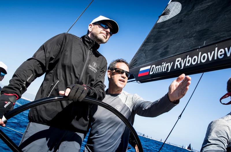 الملياردير الروسي ديمتري ريبولوفليف يهوى سباقات اليخوت ويمتلك العديد منها
