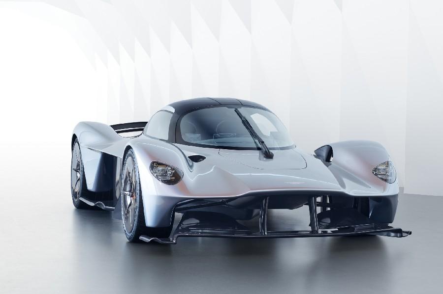آستون مارتن فالكيري (Aston Martin Valkyrie)، 3.2 مليون دولار أمريكي