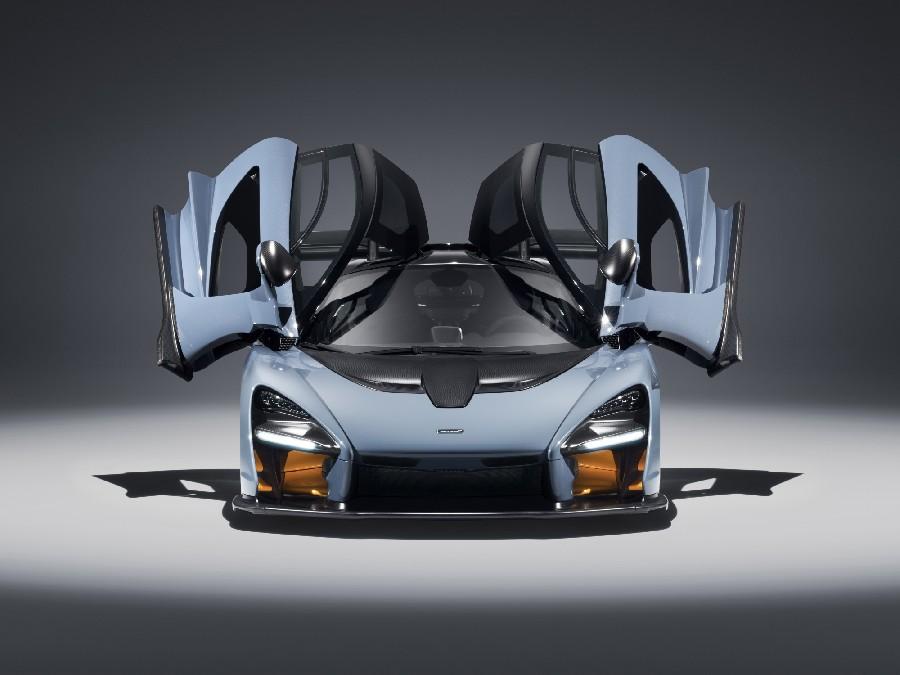 ماكلارين سينا (McLaren Senna)، ابتداءً من 965,000 دولاراً أمريكياً