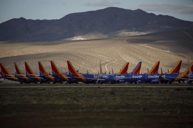 طائرات خطوط ساوث ويست الجوية في المخزن في فيكتورفيل، بولاية كاليفورنيا