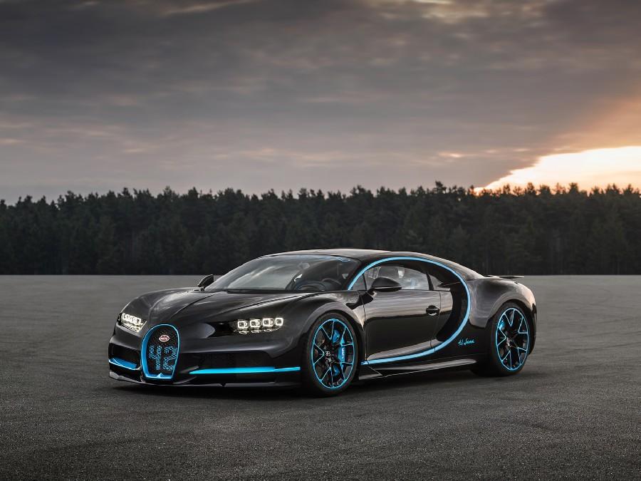 بوغاتي شيرون (Bugatti Chiron)، 2.8 مليون دولار أمريكي