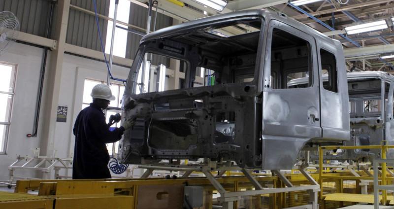 """""""دايملر"""" الألمانية من أكبر مصنعي الشاحنات في العالم"""