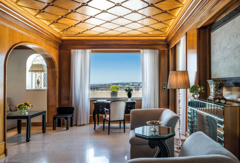 فندق هاسلر في روما، حيث لا تزال العودة إلى السفر في الأفق البعيد