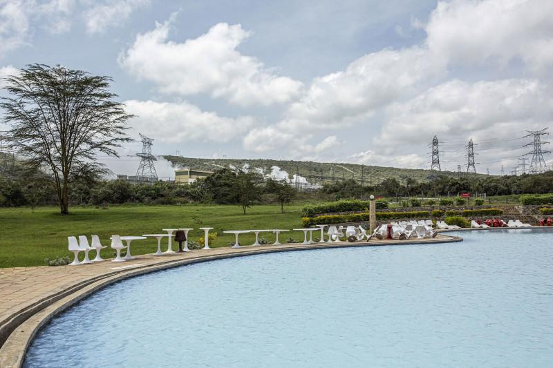 منتجع صحي على مقربة من منشآت للطاقة الحرارية الأرضية في مدينة نايفاشا، كينيا
