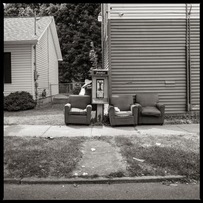 """ميني مارت """"غرايب آند أورانج""""، في شارع """"أورانج ستريت"""""""