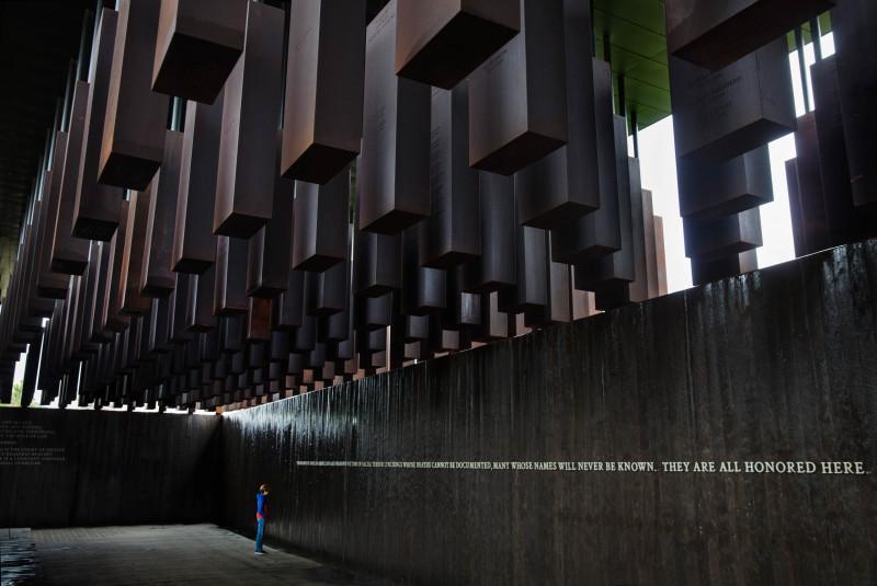 النصب التذكاري الوطني للسلام والعدالة في مونتغومري بألاباما