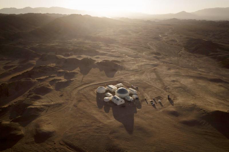 """قاعدة """"مارس واحد"""" في صحراء جوبي بالصين، إذ يمكن للأشخاص الراغبين بمحاكاة العيش على سطح المريخ خوض هذه التجربة"""