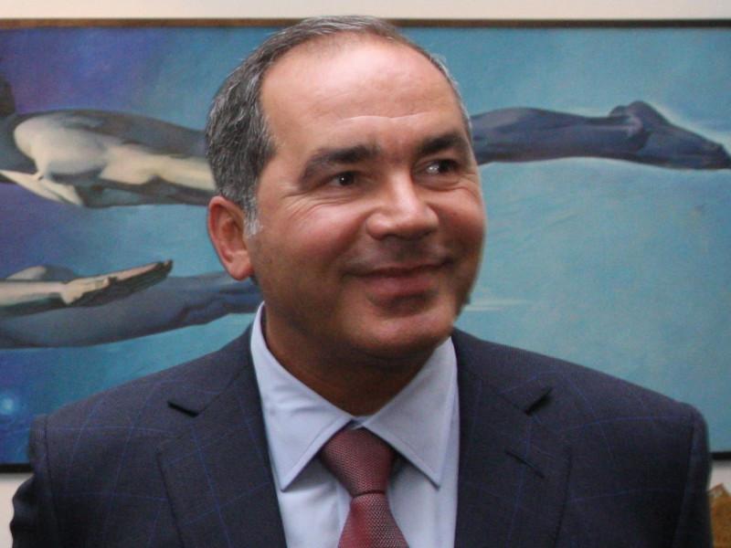 فرهاد أحمدوف، قطب عالم النفط والذي يخوض حالياً معركة طلاق مع شريكته السابقة التي دام زواجه بها لـ21 عاماً