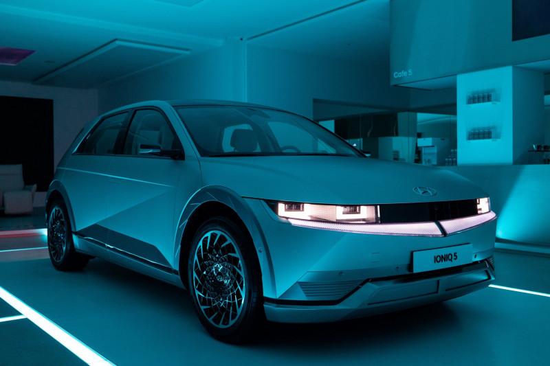 """سيارة """"إيونيك 5"""" الجديدة من """"هيونداي موتور"""""""
