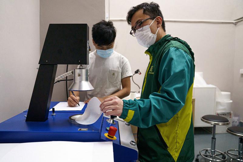حكومة هونغ كونغ تولي اهتماماً بالقطاع الصناعي