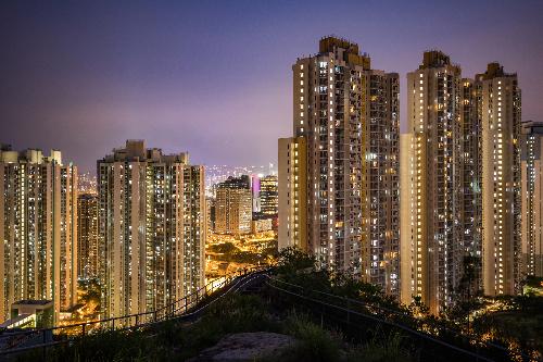 مدينة هونغ كونغ تعد أحد أكبر أسواق العقارات في آسيا، وتعاني من الركود بسبب تداعيات كورونا