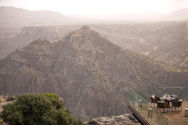 نظرة على  وديان الجبل الأخضر من منتجع أنانتارا الجديد