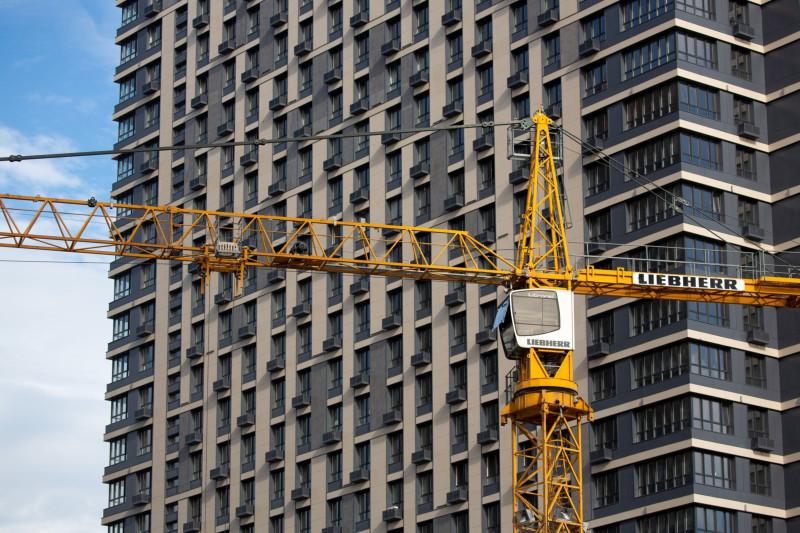شركات البناء تتعامل بحذر مع مشكلات سلاسل التوريد