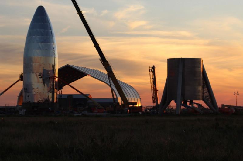 اختبار لمركبة ستارشيب هوبر لاستكشاف  الفضاء قرب بوكا تشيكا بولاية تكساس
