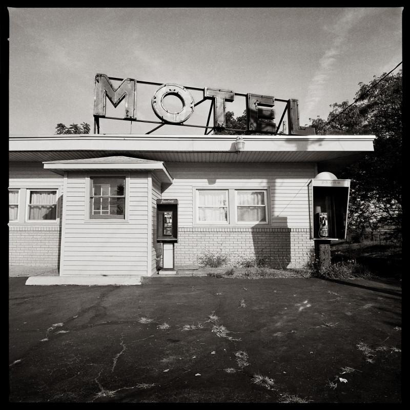 """موتيل 490 – شارع """"ماونت ريد بوليفارد"""""""