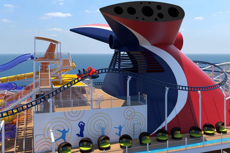 منطقة ألعاب على أحد السفن السياحية في البحر