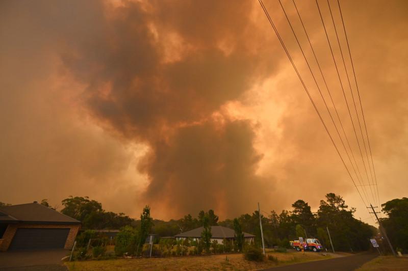 العالم يحتاج المزيد من التمويل لمواجهة موجات الحر وحرائق الغابات وحتى الفيضانات والعواصف