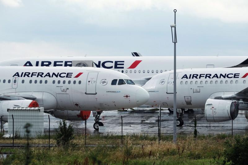 طائرات تابعة لشركة إير فرانس في مطار شارل ديغول - باريس