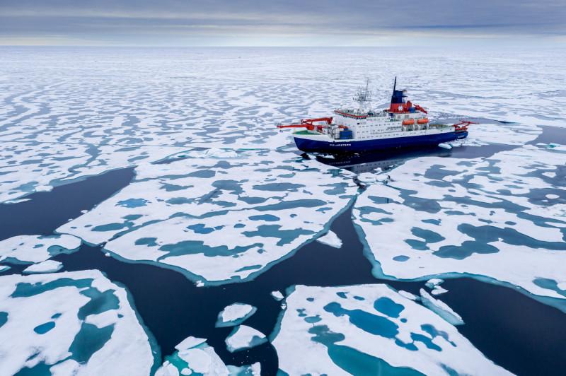 ذوبان الجليد في القطب الشمالي