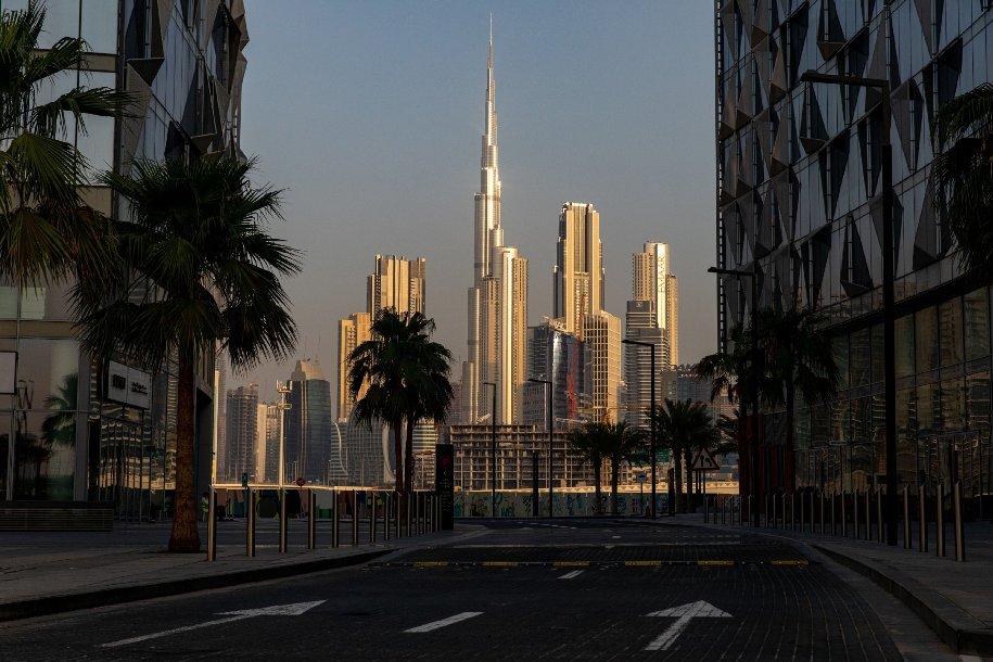 برج خليفة بوسط إمارة دبي
