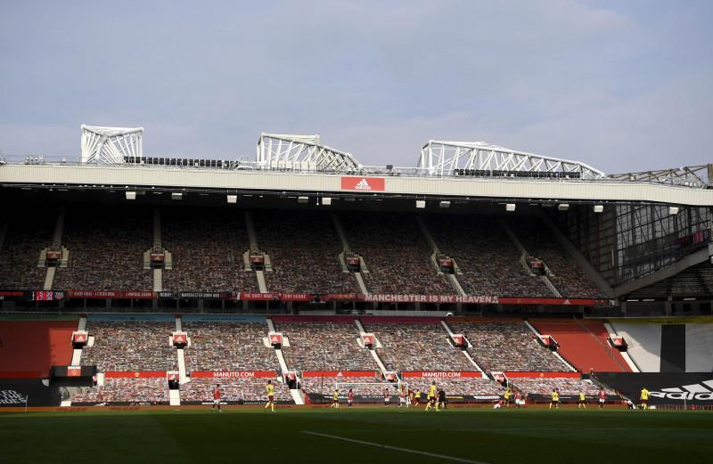 مباراة في الدوري الإنكليزي الممتاز بين مانشستر يونايتد وبيرنلي على ملعب أولد ترافورد في 18 أبريل في مانشستر