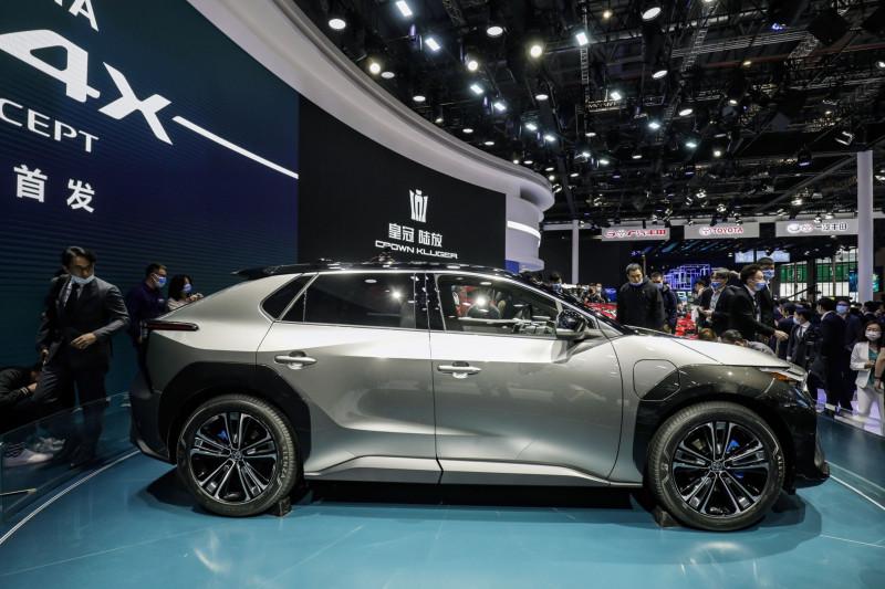 """سيارة """"بي زد 4 إكس"""" الرياضية متعددة الأغراض التابعة لسلسلة تويوتا """"بيوند زيرو"""""""