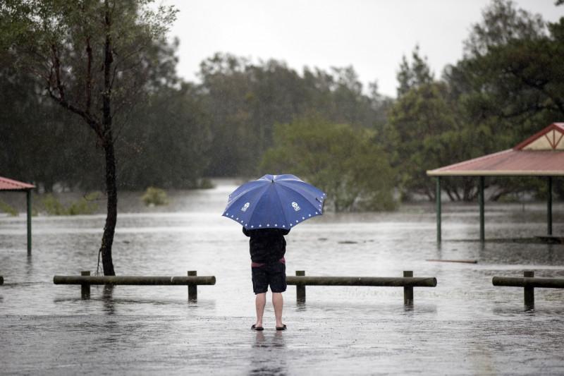 تغيّر المناخ يلقي بظلاله على تغير معدلات الأمطار والعواصف ويرفع درجات الحرارة والرطوبة في معظم الأماكن