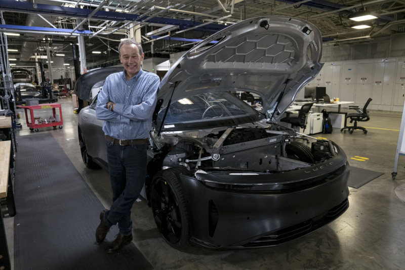 """بيتر رولينسون، الرئيس التنفيذي لشركة """"لوسيد موتورز"""""""