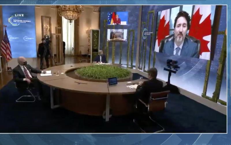 رئيس الوزراء الكندي، جاستن ترودو، أثناء حديثه في قمة المناخ التي عقدت افتراضياً في أبريل 2021