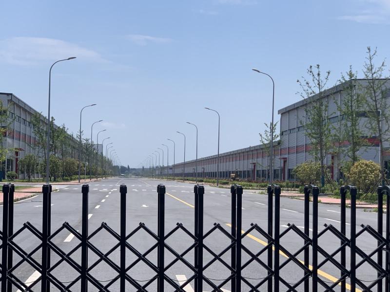 """مصنع """"ينلونغ نيو إنرجي"""" للسيارات الكهربائية في مدينة نانجينغ في الصين"""