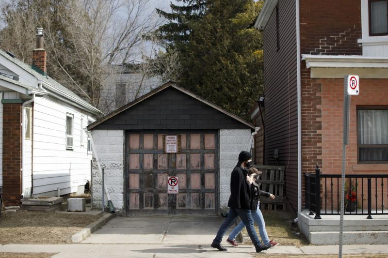 مرآب في تورنتو تم عرضه للبيع مقابل 729 ألف دلار كندي