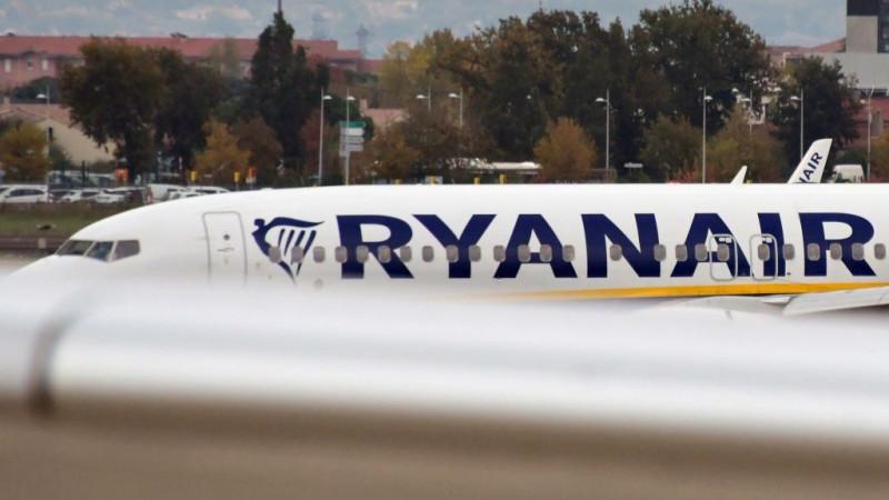 """طائرة من طراز بوينغ """"737NG ماكس"""" تشغلها الناقلة الإيرلندية """"ريان إيرلاين"""""""