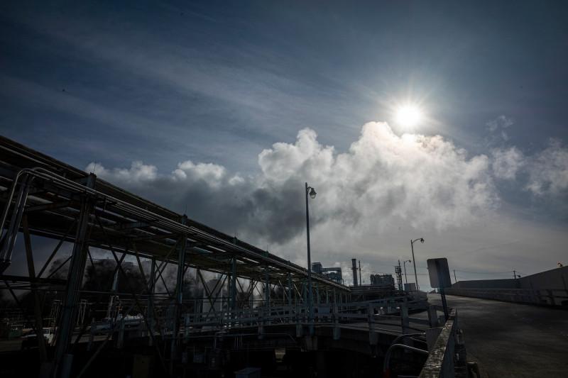 """مصفاة تكرير نفطي تابعة لشركة """"فيليبس 66"""" في روديو، كاليفورنيا بالولايات المتحدة، حيث يعمل كثير من الشركات النفطية على تحويل منشآتها إلى محطات لإنتاج الوقود الحيوي."""