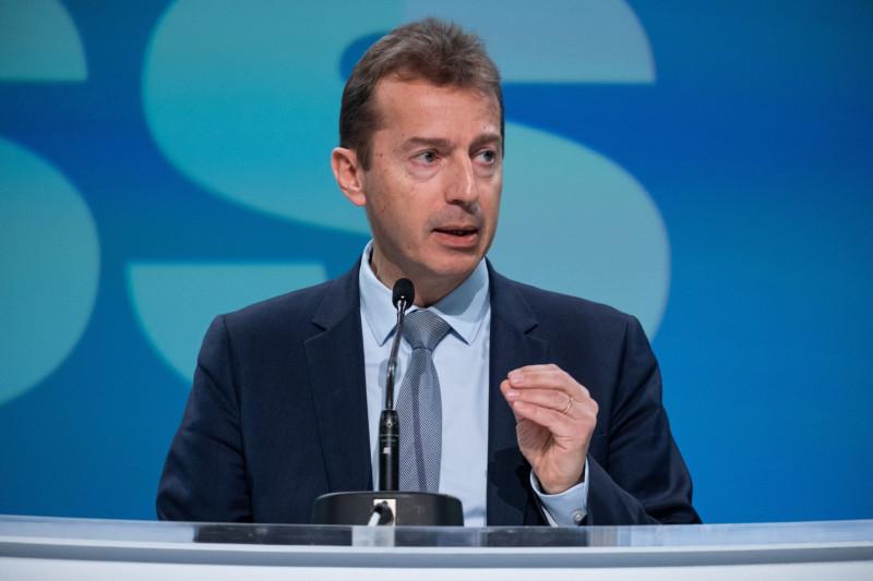 """غيوم فوري، المدير التنفيذي لشركة """"إيرباص""""، يتحدث خلال مؤتمر صحفي حول أرباح العام بأكمله في تولوز، فرنسا، يوم الخميس، 13 فبراير 2020. تخطط """"إيرباص"""" لزيادة شحنات الطائرات إلى أعلى مستوى لها على الإطلاق في عام 2020 إذ تعمل على تذليل عقبات الإنتاج التي تنطوي على ضيق جسم طائرتها من طراز """"إيرباص إيه 320""""، في حين تظل طائرة منافستها """"بوينغ"""" من طراز """"بوينغ 737 ماكس"""" قيد الإيقاف"""