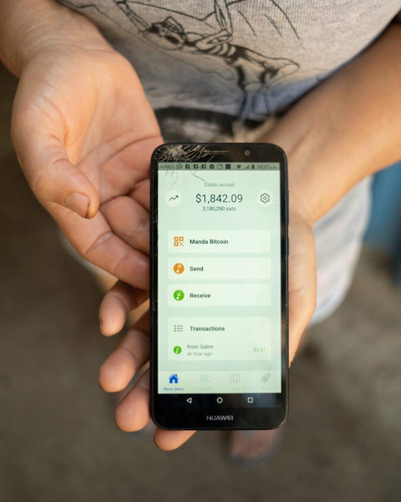 """تطبيق """"شاطئ بتكوين"""" الذي يُستعمل للتعاملات المالية في إل زونتي بالسلفادور"""