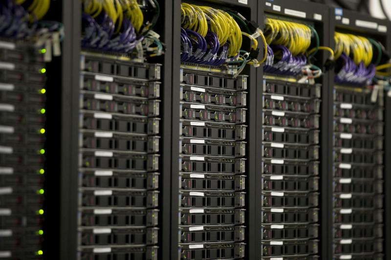 اعتماد طرق عديدة ومتنوعة لتبريد خوادم الكمبيوتر في مراكز البيانات