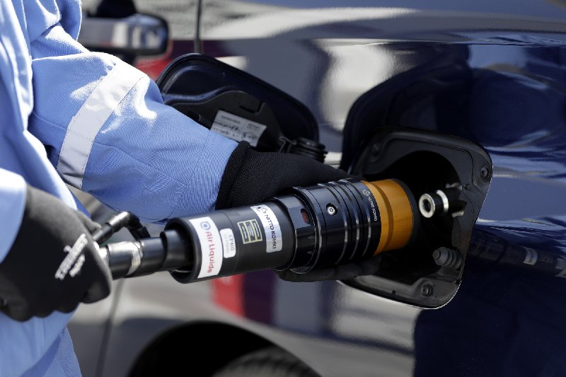 شحن خلايا الوقود الهيدروجينية أسرع بكثير من الشحن العادي.