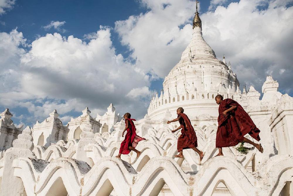 تأهلت هذه الصورة لنهائيات مسابقة سميثسونيان السنوية الثانية عشرة للتصوير الفوتوغرافي (Smithsonian's 12th Annual Photography Contest)، smithsonianmag.com.